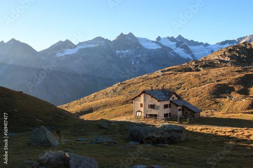 Foto op Canvas Grijze traf. alba presso il rifugio Vittorio Sella - Parco nazionale del Gran Paradiso