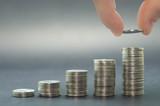 Ótimo conceito de inflação, economia e poupança, pilha de moedas crescente. - 169600470