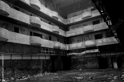 Foto op Plexiglas Oude verlaten gebouwen Abandoned building