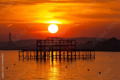 Foto op Canvas Baksteen Brighton sunset over West Pier
