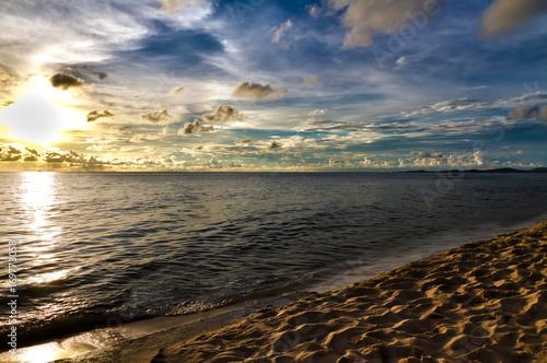 Fotobehang Zee zonsondergang Phu Quoc