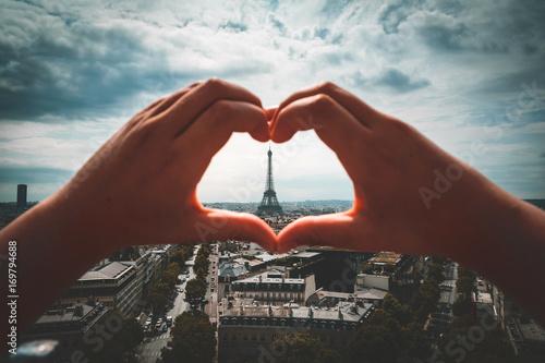 Fotobehang Eiffeltoren Liebe in Paris, Herz in Frankreich