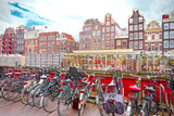 Flower market in Amsterdam (Bloemenmarkt) and bicycles - 169797246