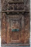 Porte en bois sculpté du porche nord de l'église Saint-Maclou. Rouen - 169843615