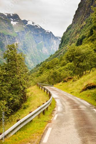 Fotobehang Honing Road in Norwegian mountains