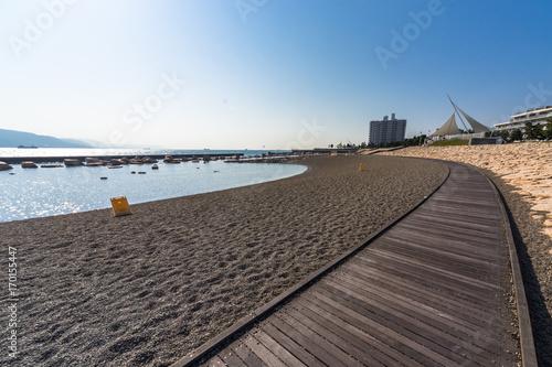 Fotobehang Cappuccino 海沿いの街