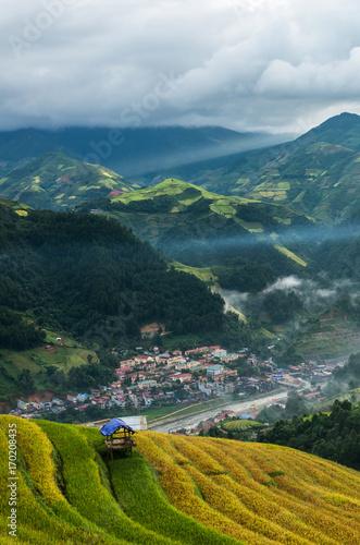 Fotobehang Rijstvelden Rice fields on terraced of Mu Cang Chai District, YenBai province, Northwest Vietnam
