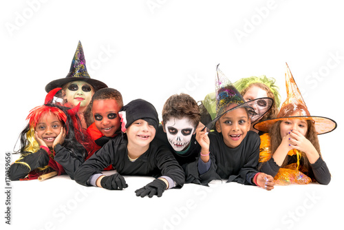 Papiers peints Kiev Kids in Halloween costumes