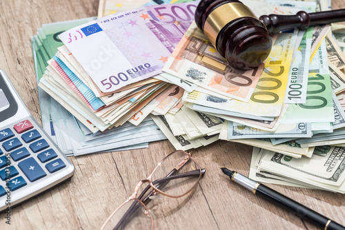 Dollar Euro Gavel Gles Calculator And Pen