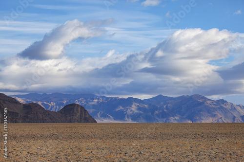 Fotobehang Cappuccino Landscape near Ulgii, Mongolia