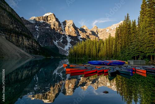 Foto op Plexiglas Bergen Moraine Lake View