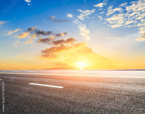 Papiers peints Jaune de seuffre Beautiful sky cloud and asphalt road landscape