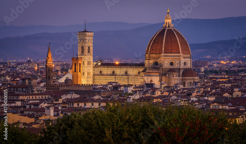 Deurstickers Toscane Cathedral Santa Maria of the Flowers, Piazza del Duomo, Florence, Tuscany, Italy, Europe. The Basilica having its last minutes of artificial lighting before sunrise.