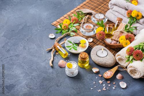 Foto op Plexiglas Spa Autumn fall spa wellness setting concept, black background