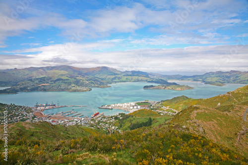Foto op Plexiglas Blauwe hemel Lyttelton Harbour near Christchurch, Canterbury, New Zealand