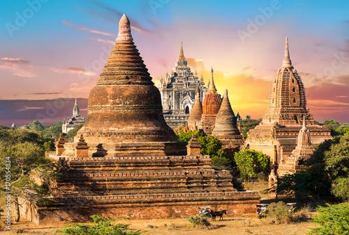 Aluminium Fyle Pagodas in Bagan