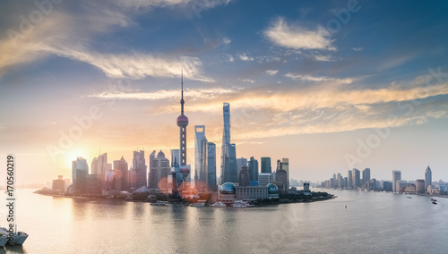 Papiers peints Shanghai shanghai skyline in sunrise