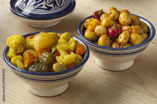 Papiers peints Maroc Moroccan pickled olives and mixed vegetables