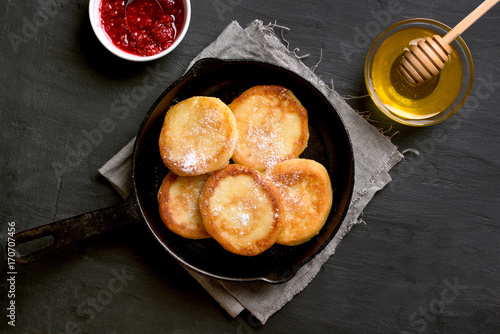 Fritters, curd cheese pancakes - 170707456