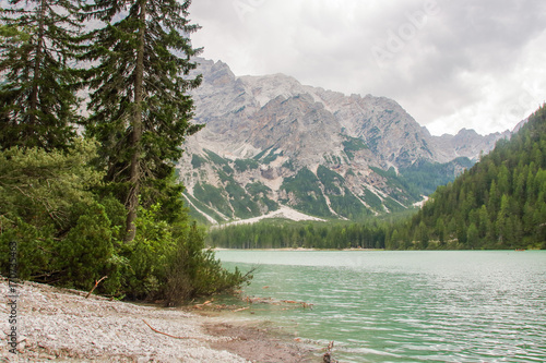 Fotobehang Olijf The lake of Braies