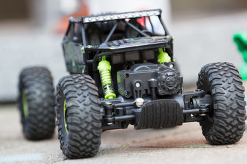 Spielzeugauto in Action
