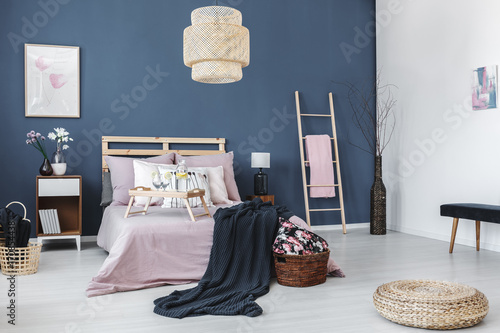 Bedside cabinet with black lamp - 170854438