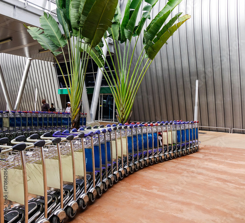 Papiers peints Kuala Lumpur Trolleys at SSR Intl Airport in Mahebourg, Mauritius