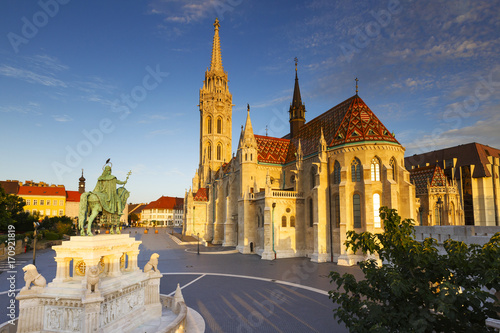 Foto op Canvas Boedapest Morning view of Matthias church in historic city centre of Buda, Hungary.