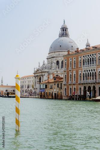 Foto op Plexiglas Venetie Santa Maria della Salute, canal view, Venice Italy