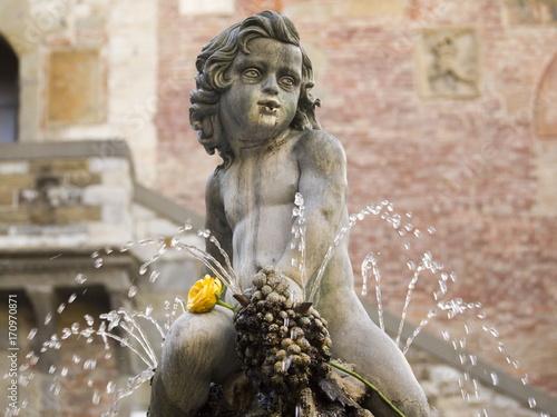 Aluminium Toscane Italia,Toscana,Prato,piazza del Comune,fontana del Bacchino.