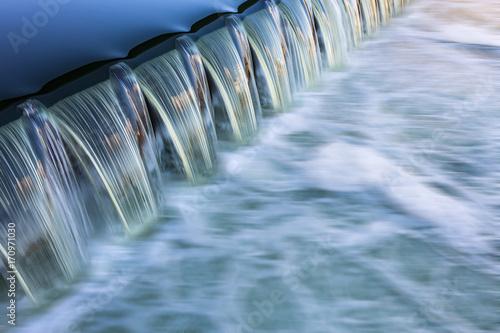 fließendes Wasser Wehr  - 170971030
