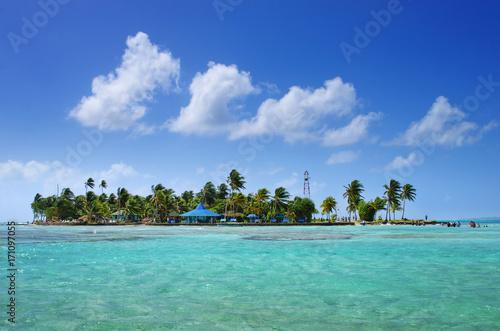 Fotobehang Tropical strand Caribbean island
