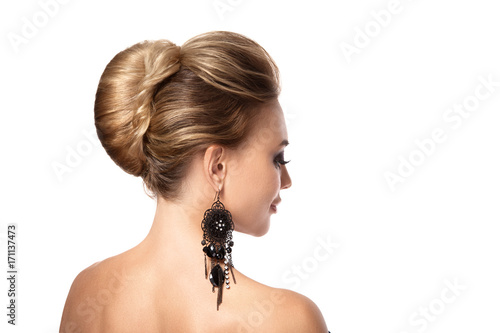 Fotobehang Kapsalon Beautiful woman with evening make-up. Jewelry and Beauty. Fashion photo