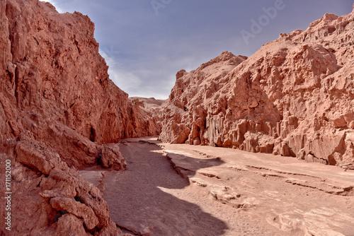 Fotobehang Diepbruine Valle De La Luna - Moon Valley, Atacama, Chile