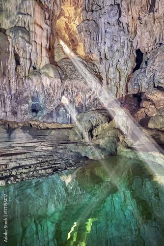 Fotobehang Natuur beautiful and large limestone cave in vietnam