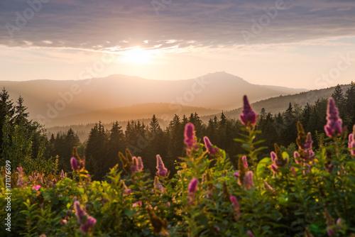 Der Große Arber im Bayerischen Wald bei Sonnenuntergang
