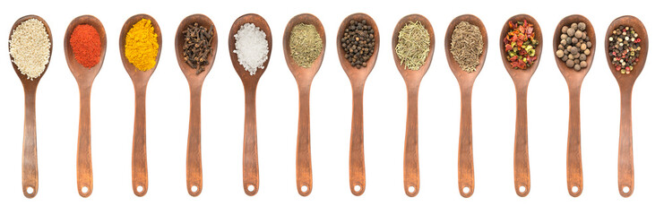 Set of spoons with different spices © Mny-Jhee