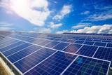 太陽光発電のパネル群 - 171239407
