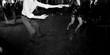 Leinwanddruck Bild - Ballare in coppia alla festa