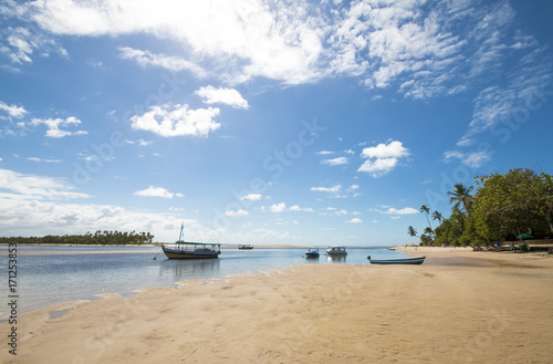 Papiers peints Tropical plage Tropical island beach and boats