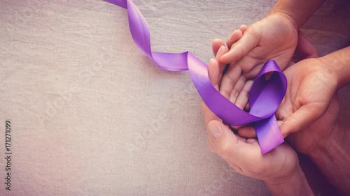 Fioletowe wstążki, tonowanie miejsca na tle kopii, choroba Alzheimera, rak trzustki, świadomość epilepsji, świadomość przemocy domowej