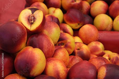 Foto op Canvas Baksteen Peaches