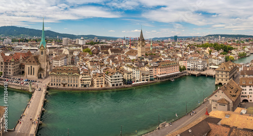 Papiers peints Kiev Zurich high angle view city skyline panorama at Limmat River, Zurich, Switzerland