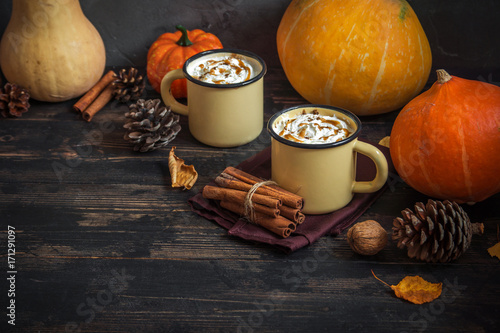 Foto op Plexiglas Chocolade Hot Chocolate and Autumn Pumpkins