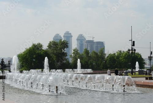 Fotobehang Moskou Fountain in Victory Park on Poklonnaya Hill in Moscow.
