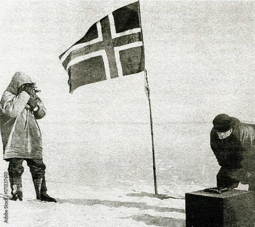 Amundsen expedition - norwegian flag at the South Pole, 1911