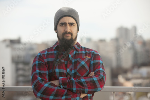 Foto op Plexiglas Buenos Aires Man with beard in the city
