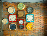 Clocks on the wall - 171371454