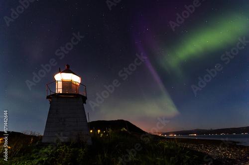 Aluminium Noorderlicht Aurora Borealis über Leuchtturm in Tromsø