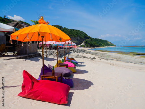 Keuken foto achterwand Bali Beautiful sunny day with colorful umbrellas in a row in the beach of Pantai pandawa, in Bali island, Indonesia